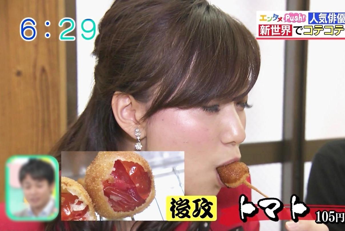 斎藤真美の食事舌・擬似フェラ (3)