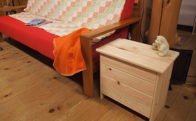 癒しを収納を兼ね備えたベンチボックスが、 あなたの部屋に森の香りをとどけます。