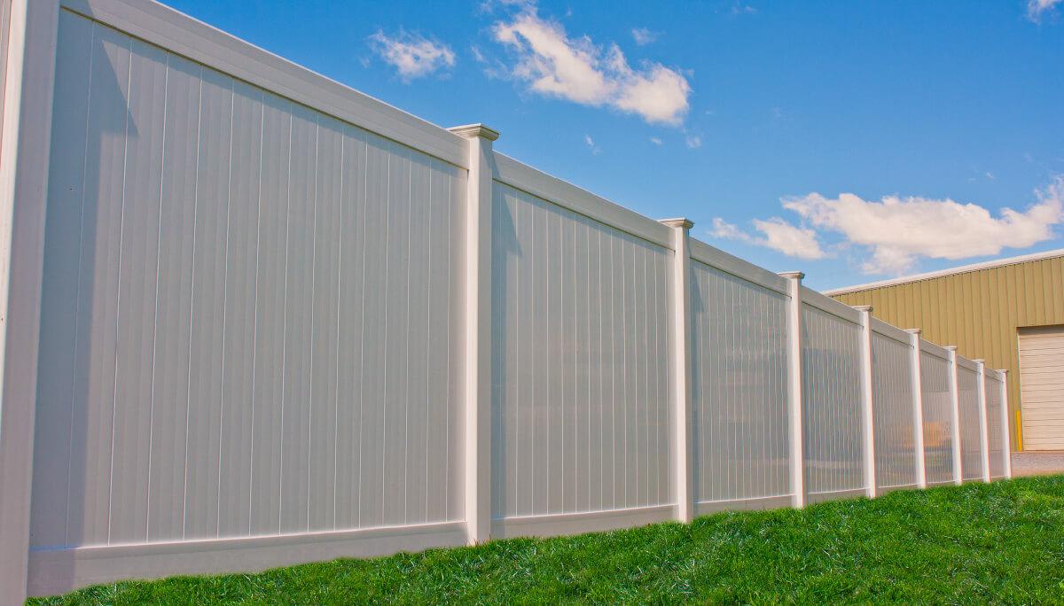 Caroline vinyl privacy fence shoreline vinyl systems color options baanklon Images