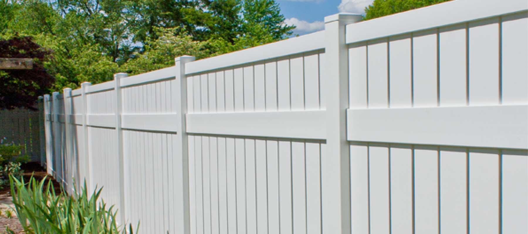 Carroll vinyl semi privacy fence shoreline vinyl systems color options baanklon Images