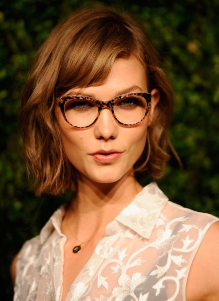 Karlie Kloss Short Hairstyles with Bangs