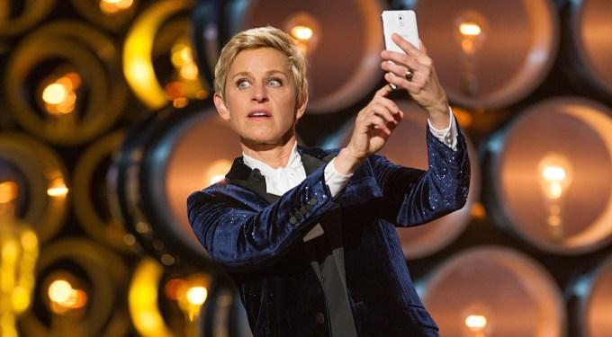Lengua, Cámara y Acción: Was Ellen DeGeneres Schtick Brilliant Or Lousy On Oscar Night?