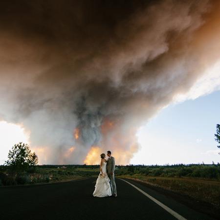 婚禮中最意外的時刻! 感受新人熾熱的愛意