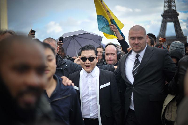 'Gangnam Style' Paris flashmob (9)