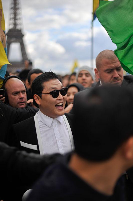 'Gangnam Style' Paris flashmob (8)