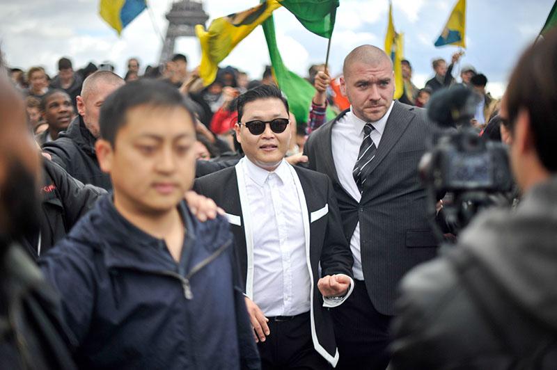 'Gangnam Style' Paris flashmob (6)