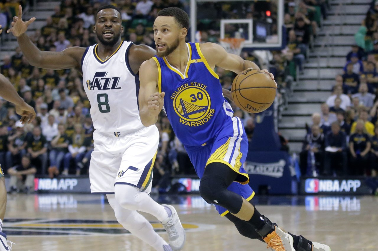 Indulging Trump Rescinds House Invitation To Stephen Criticizes Nflprotests Wsj Trump Rescinds House Invitation To Stephen Criticizes Stephen Curry House Alamo Ca Stephen Curry House Inside curbed Stephen Curry House