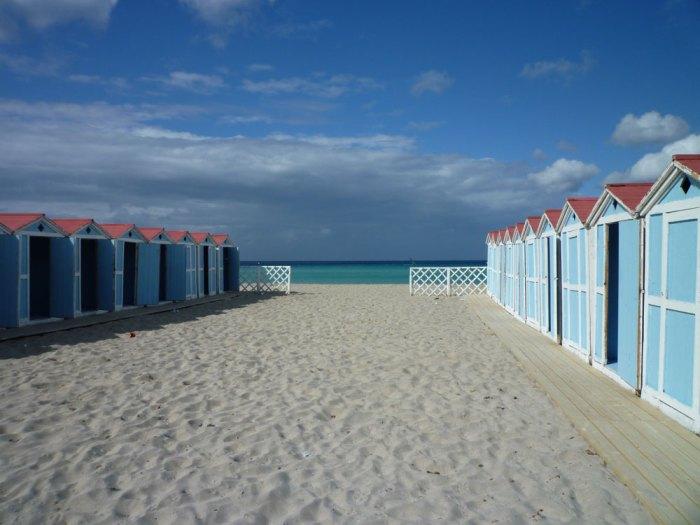 La plage de Mondello, peu avant le début de la saison balnéaire