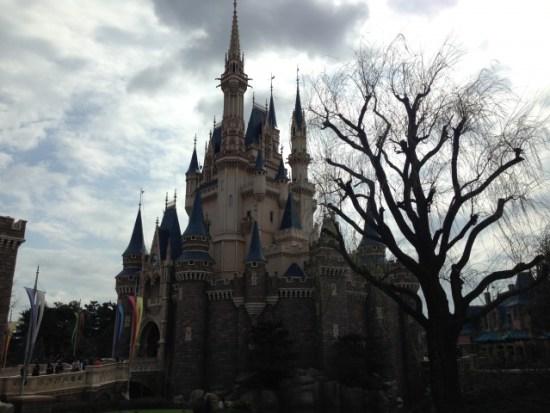 曇りのシンデレラ城