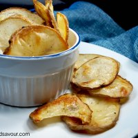 HOMEMADE POTATO CHIPS- Vegan & Oil-Free