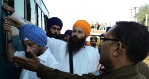 Sikh devotees held on way to Haridwar