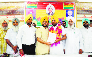 Sehajdhari Sikh Party national chief Paramjeet Singh Ranu (fourth from left) with the newly appointed acting president of the party's