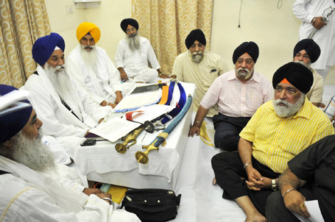 Former DSGMC Chief Holds Closed Door Meeting with Akal Takht Sahib Jathedar