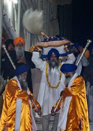 Diamond-studded Chaur Sahib offered at Golden Temple
