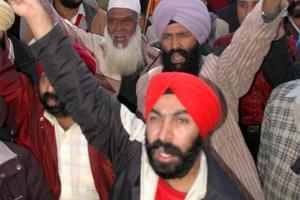 Pakistan Sikhs threaten countrywide protest against killings.