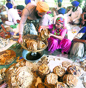 'Langar' being prepared for those hit by floods in J&K at the Golden Temple in Amritsar