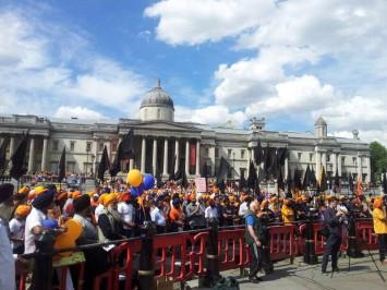 2014-06-10-london-rally4-355x266