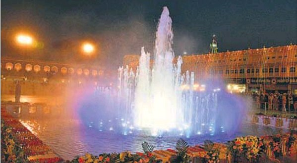 Badal opens first phase of Golden Temple plaza