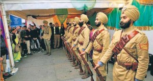 Eight volunteers will ride on the top deck of the B-type battle bus in London to recreate an old image from World War 1, showing Indian soldiers in uniform being transported to the Western front.