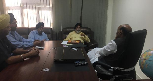 Gurdarshan Singh Dhillon, Sarna Brothers with Home Minister Rajnath (BJP).