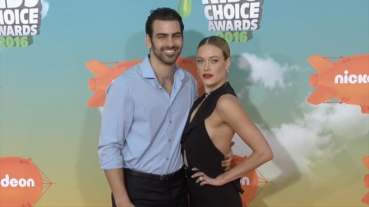 Nyle DiMarco's 'DWTS' Switch-Up Partner Revealed, Nyle Teaches Tyler Oakley How To Flirt In ...