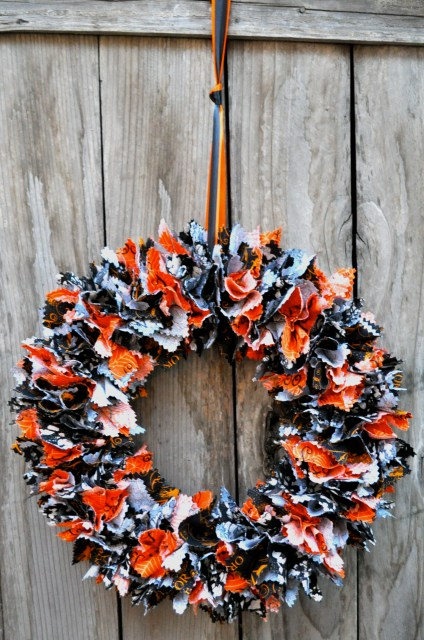 Fabric Halloween Wreath Front view - Simple Sojourns