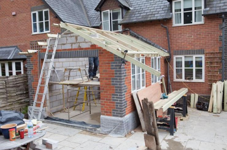 Tips to save money when building a house extension.