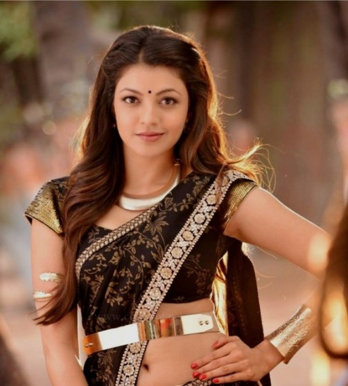 Hot image of kajal agrawal in black sareee