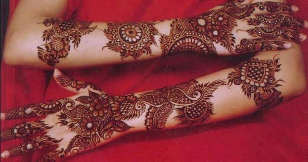 artiatic mehndi design