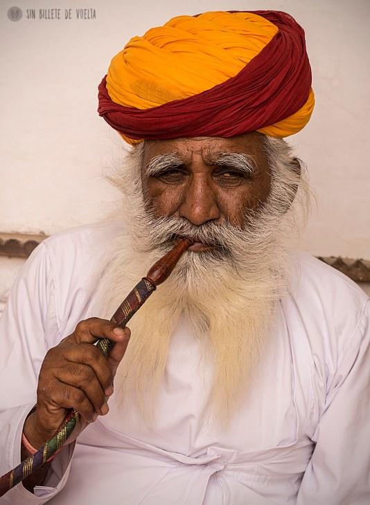 # Día 11 - Abuelo fumando opio en Mehrangarh