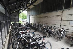 bicikli_natkriveno parkiraliste