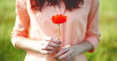 Thà cô đơn cả đời chứ đừng giành giật hạnh phúc của người khác