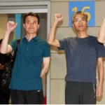 Kim Young-hwan, right, and three other activists detained in China for almost four months arrive in Incheon International Airport upon being released by Chinese authorities. | Via JoongAng Ilbo