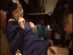 某有名タレントにそっくりな西田カリナがラブホでハメ撮り!色白で綺麗なお肌にパイパンおまんこが超エロい潮噴動画