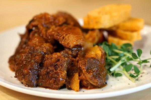 Arterial Temple Street - Hunter's Beef Stew