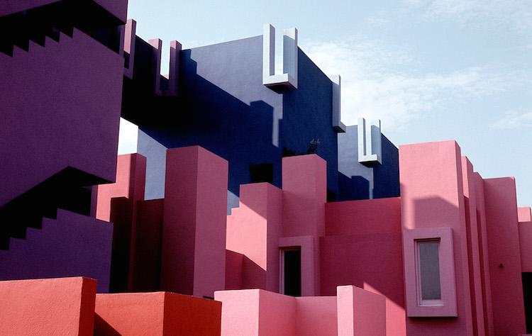 Muralla_Roja_Calpe_Spain_Ricardo_Bofill_Taller_Arquitectura_18