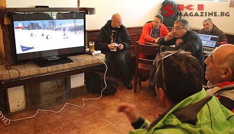 Журналистите изгледаха финала в пресцентъра на Европейската купа в Боровец. Снимка: SkiMag