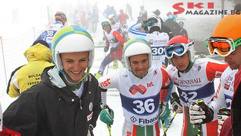 На снимката от ляво на дясно тройката победители Камен Златков, Алберт Попов и Йоан Тодоров. До тях е и Георги Георгиев, който първия манш бе  с трето време, но грешка във втория, малко преди финала го изпрати на 6-то място.