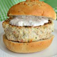 Zucchini Salsa Turkey Burgers with Salsa Yogurt Dressing