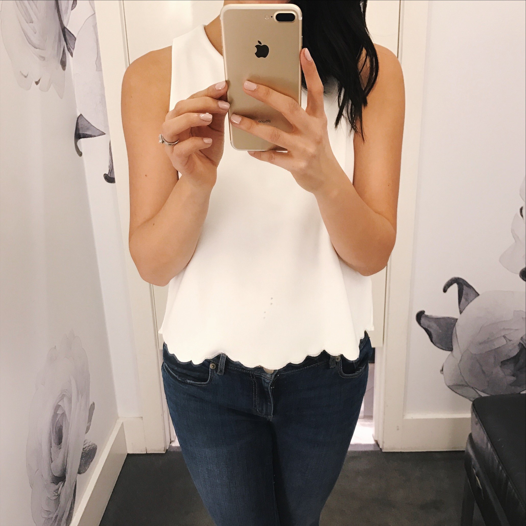 White Scallop Hem Sleeve Top