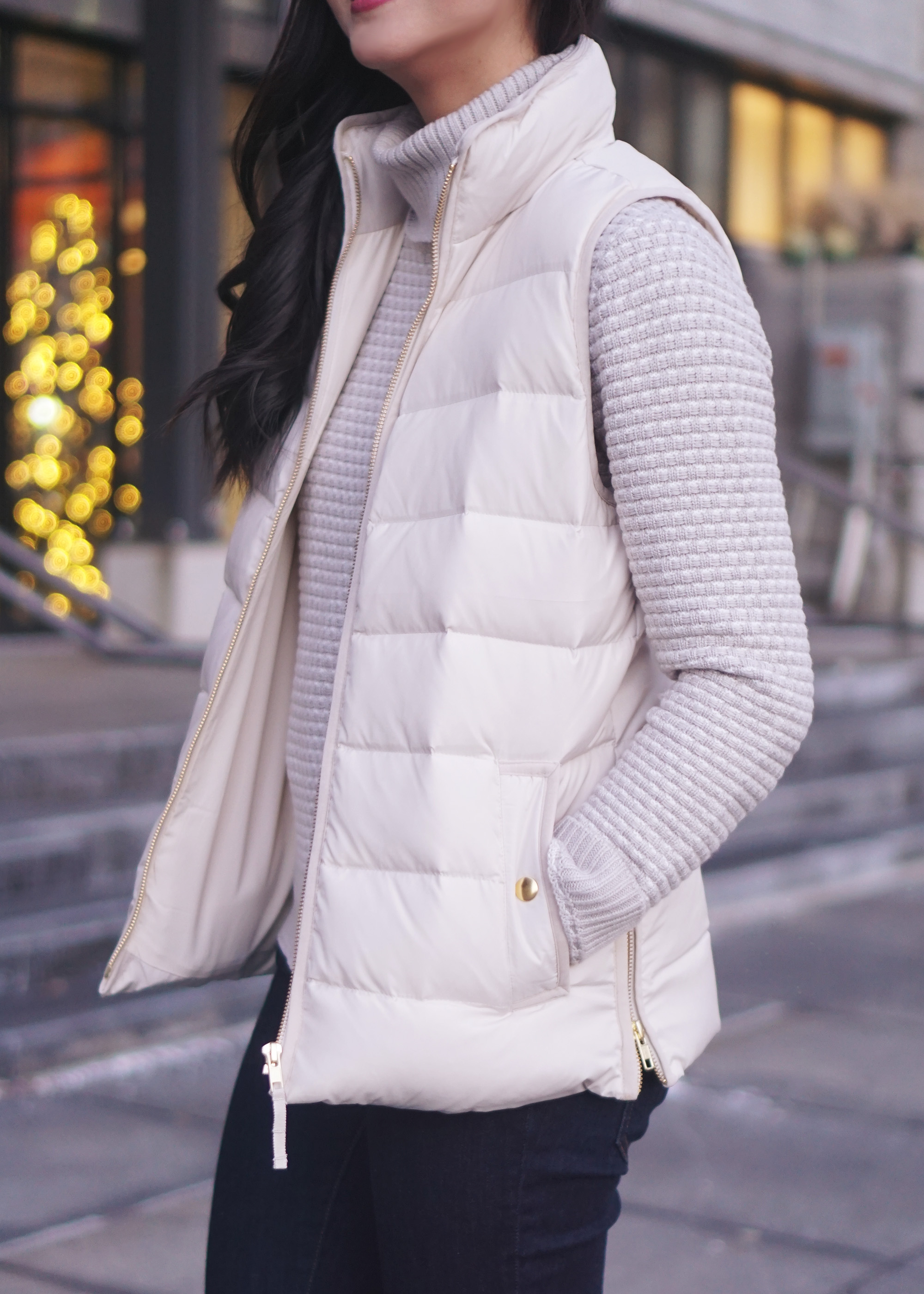 Winter Outfit Ideas / Grey Turtleneck & Cream Puffer Vest