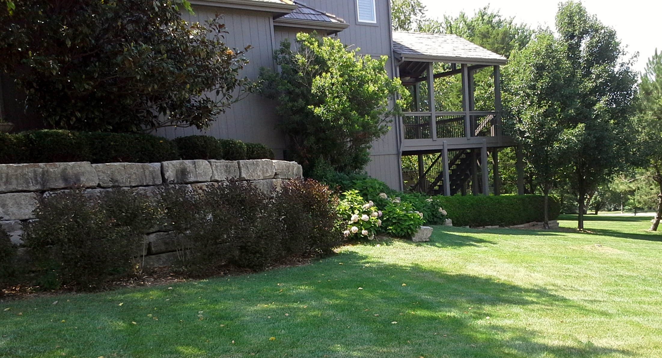 Landscaping Overland Park Ks : Spring landscaping in kansas city leawood sk lawn care