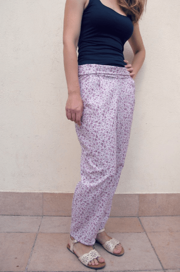 floral harem style pants with an elastic (shirred) waist