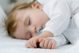 baby sleep help with the pacifier