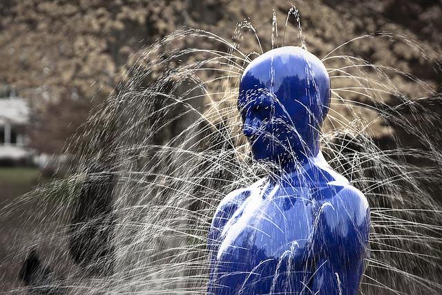 온몸에서 물이 빠져나가는 동상