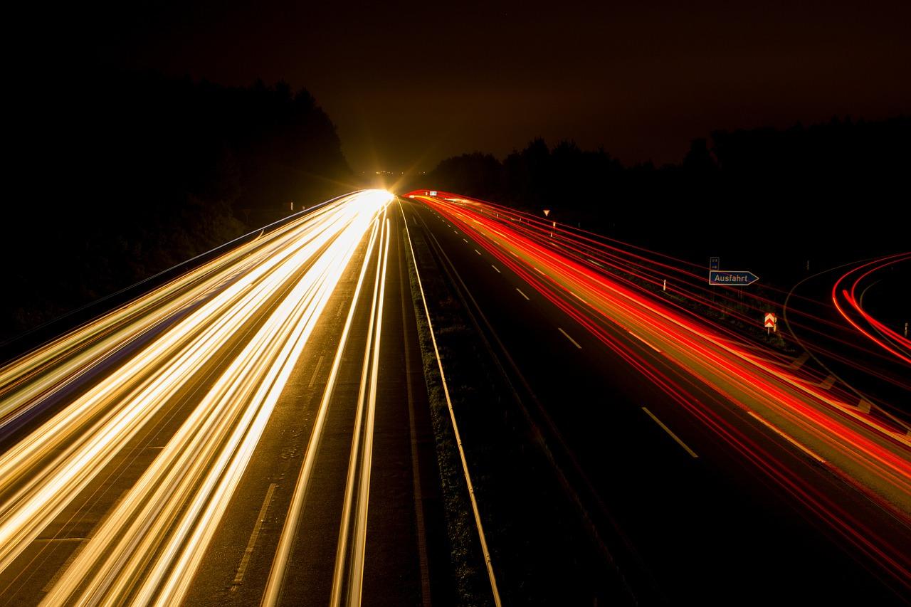 미래 하이웨이 고속도로 자동차