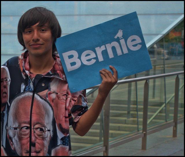 "raymondclarkeimages, ""Bernie"", CC BY NC https://flic.kr/p/KzhUNC"