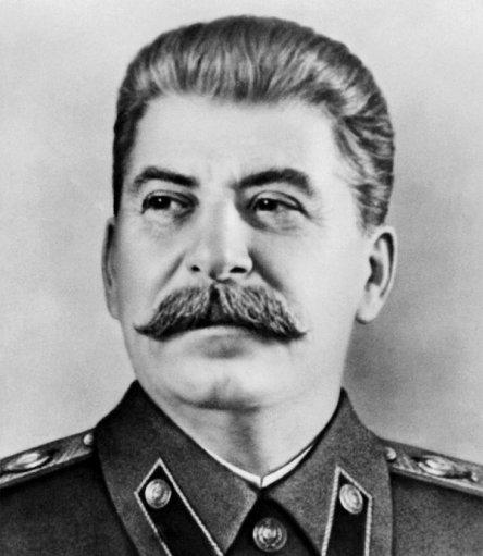 스탈린은 호자예프뿐만 아니라 이크라모프의 '지역 정치' 역시 인정하지 않았다.