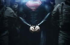 PHOTO-Superman-enchaine-sur-le-nouveau-poster-de-Man-of-Steel_portrait_w532