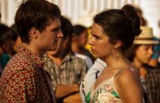 Le romantisme sincère et piétiné du film reste trop fonctionnel et servi par une interprétation tiède.